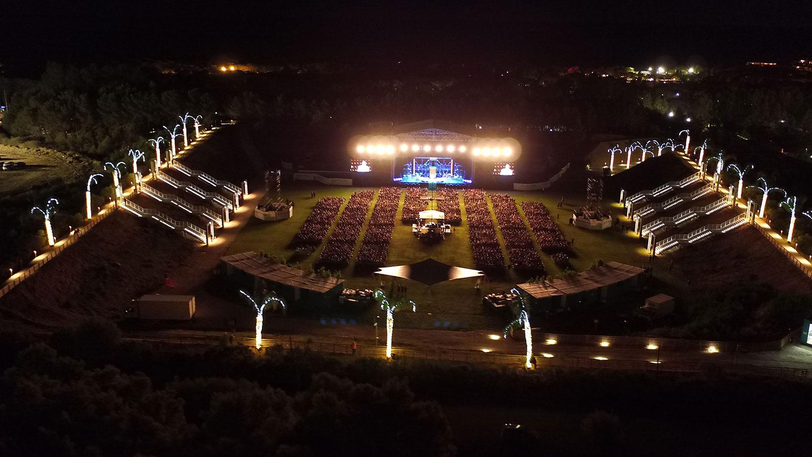 Forte Arena di notte durante evento