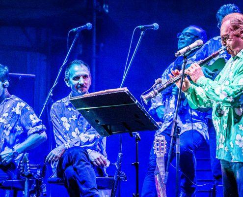 Renzo Arbore e l'orchestra al Forte Arena Sardegna